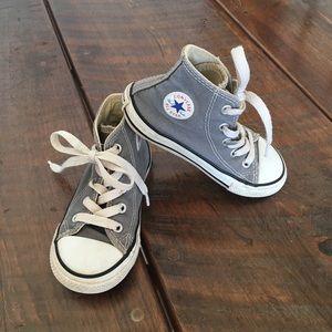Cute toddler converse shoes, sz 8